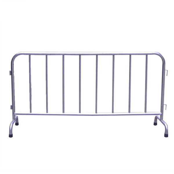 /img/heavy_duty_steel_crowd_control_barricades.jpg